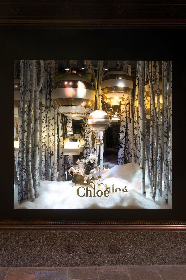 Unique Christmas Window Displays 7