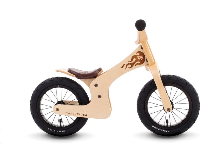 At only 3.2kgs, this bike is super lightweight and easy for the younger or less physical kids to manage. A more upright head tube angle, shortish wheel base and