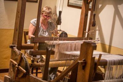Umbria Handloom weaving in Rasiglia di Foligno Menotre Valley