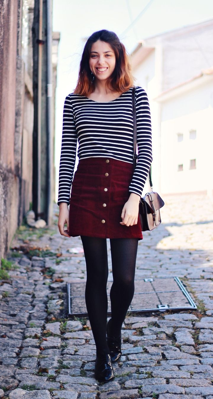A Ruiva: Burgundy and stripes.