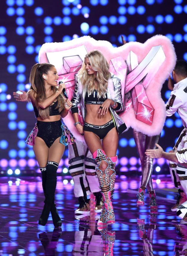 Then a Victoria's Secret Angel strutted up with some ginormous wings. | Ariana Grande Got Smacked In The Head By A Victoria's Secret Model's Wings