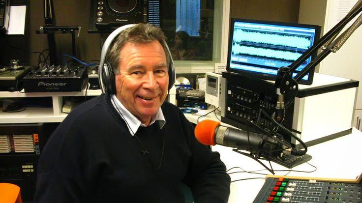 IAN MACRAE RADIO SCHOOL (2SM Radio DJ)
