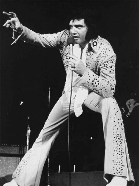 6906 Best 100 Elvis Aaron Presley 1970 1977 Images On