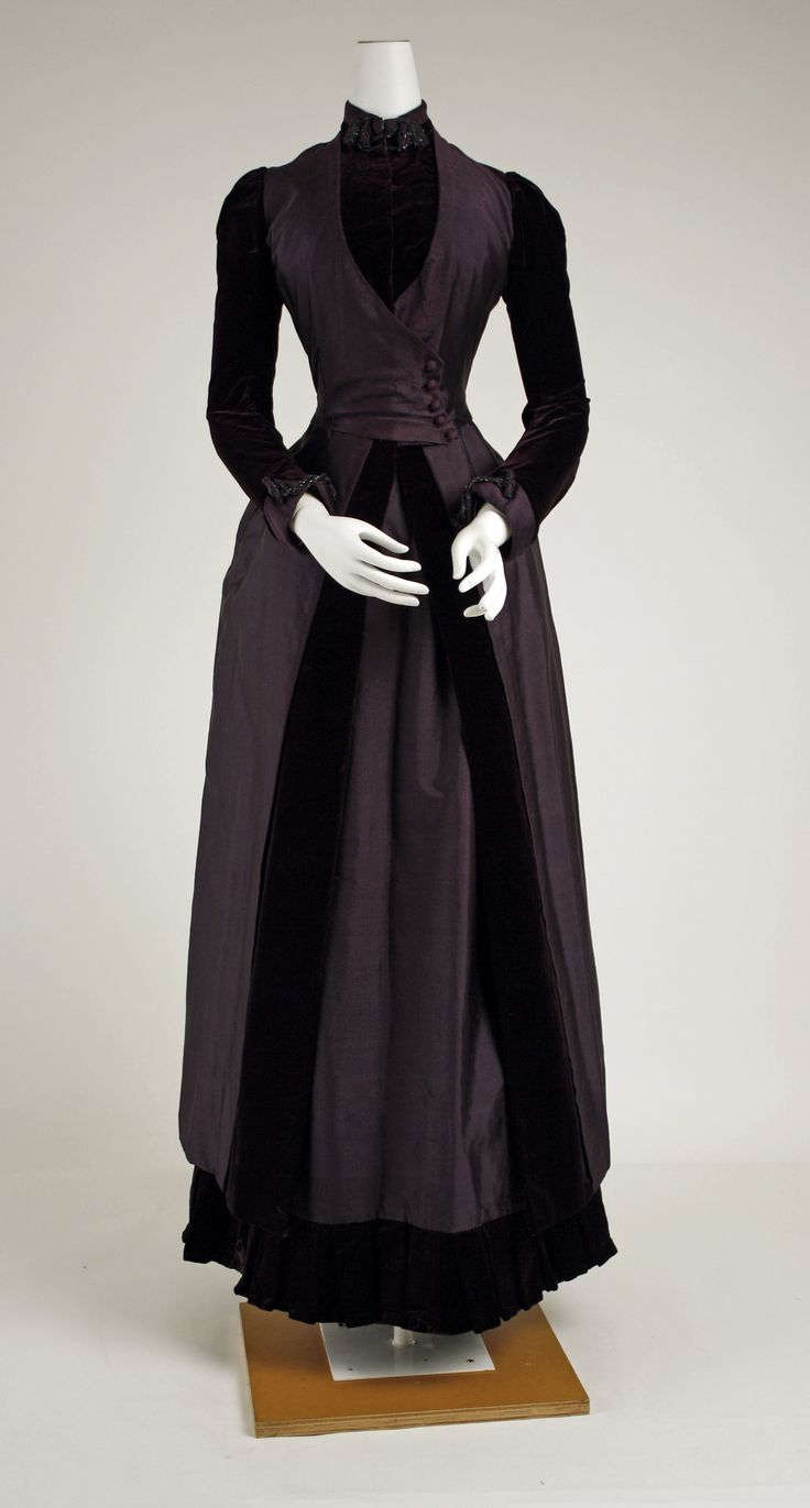 Walking Ensemble: ca. 1887–88, American or European, silk, glass.