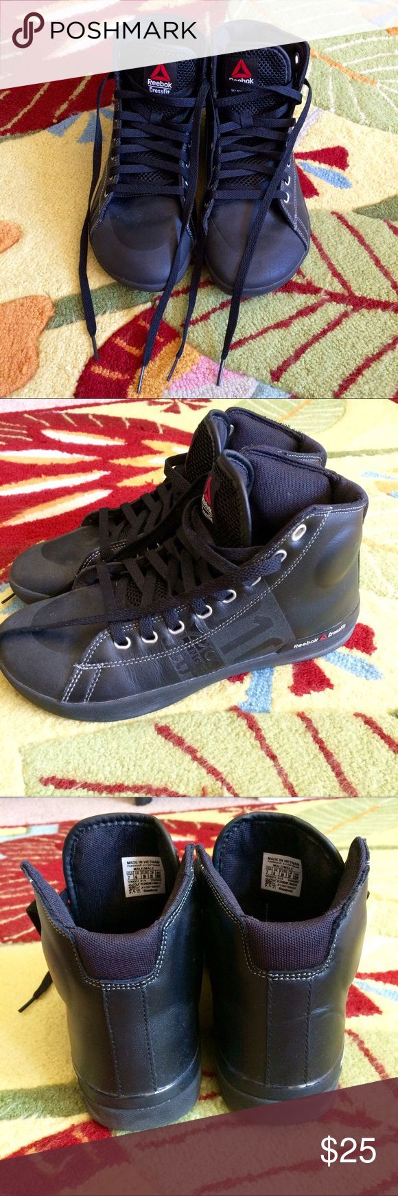 Reebok Crossfit High-Tops🏋🏽 Men's size 7 Reebok Crossfit High-Tops. I was hoping I could fit into Men's sizes but they are too wide for me. Perfect condition. Reebok Shoes