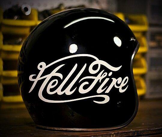 #86RockRadio #Helmet #Vintage www.86rockradio.com