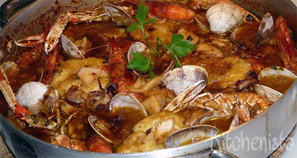 Dit waanzinnig lekkere gerecht uit het Spaanse Catalonië moet je echt alleen maken als je voldoende tijd hebt én eters hebt die allemaal van vis, schaal- en schelpdieren houden. En je moet ook niet…