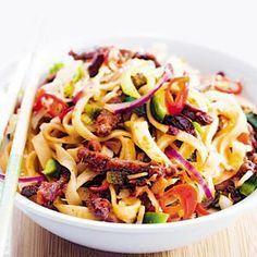 31 december - Roerbakmix in de bonus - Recept - Thaise noedels met rundvlees en wokgroenten - Allerhande