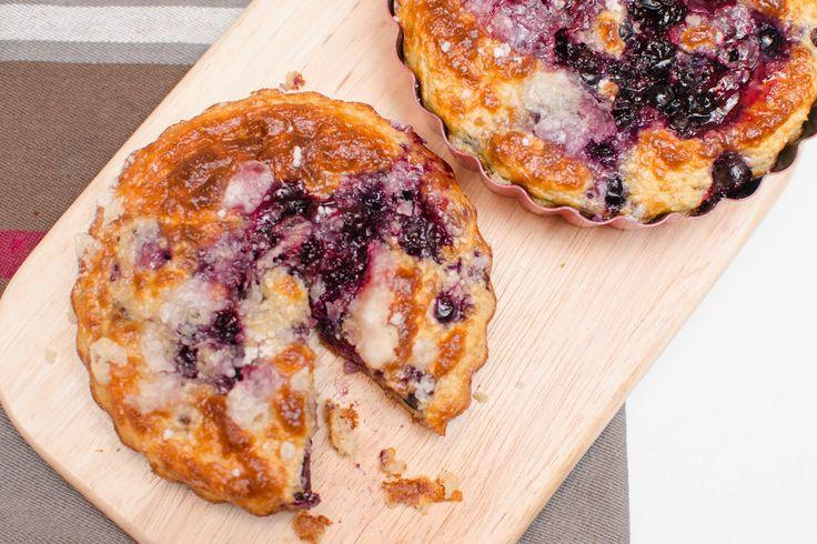 Fit Veronika: Zdravé koláčky s černým rybízem a Mandlové máslo ♥