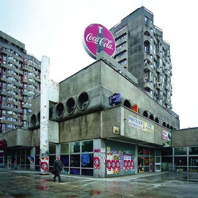 Residencial Building in Plac Grunwaldzki in Wroclaw-Manhattan by Jadwigi Grabowskiej-Hawrylak in 1968-1978