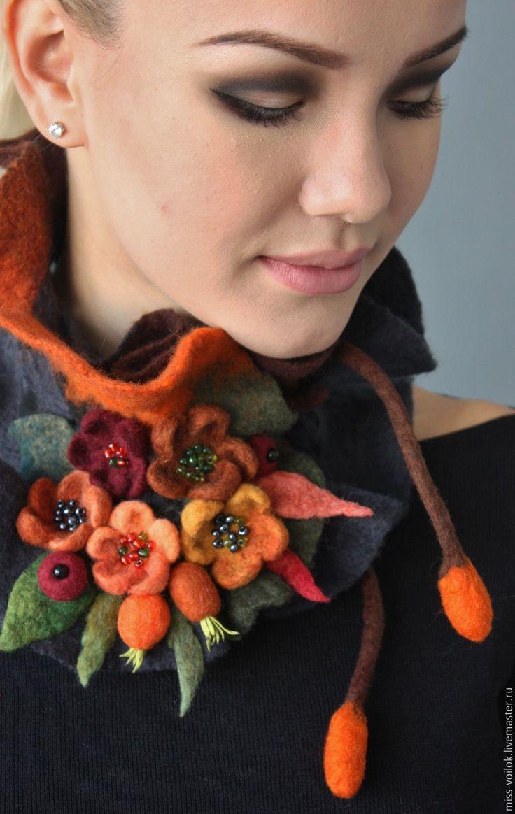 """Купить Шарф """"Осенний этюд""""(валяние) - коричневый, рыжий, осень, осенняя мода, ягоды, листья, горжетка"""