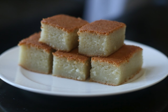 Mochi Cake: Something interesting to try: Pound Cakes, Korean Food, Desserts Ideas, Food Ideas, Mochi Cakes, Sweet Treats, Gluten Free, Korean Recipes, Competition Pay