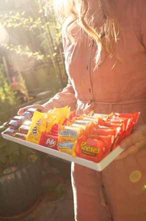 How to host an Outdoor Movie Party in 5 Easy Steps.Follow4Follow Followforfollow, Followforfollow Like4Follow, Like4Follow Beautiful, Angel Birthday Ideas, Outdoor Movie Party, Easy Step, Candies Bar, Beautiful Photooftheday, Candies Trays