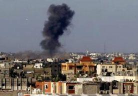 """14-Jul-2014 8:52 - EINDE STRIJD GAZA NIET IN ZICHT. Israël heeft in de afgelopen 24 uur meer dan 200 plekken in de Gazastrook gebombardeerd. Volgens Israëlische media zijn daarbij zeker elf """"terroristen"""" geliquideerd. De Palestijnse Hamas heeft vannacht ook weer raketten op Israël afgevuurd. Die kwamen vooral in steden en kibboetsen in het zuiden terecht. Daar zijn geen berichten over doden of gewonden. Het Israëlische veiligheidskabinet is vannacht bijeen geweest. Er is nog steeds..."""