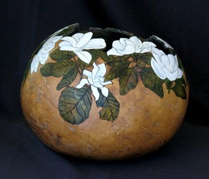 white magnolia gourd
