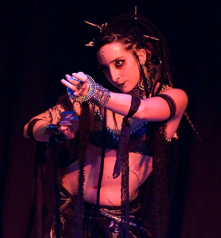 Ariellah: Queen of Gothic Bellydance