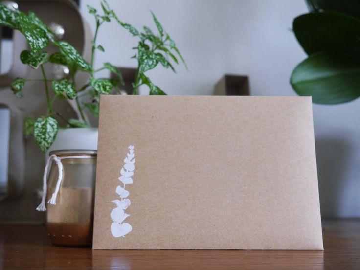 Recto enveloppe C5 kraft 300gr Encalyptus sérigraphié.  BOBU serigraphy