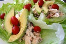 Диетические роллы с салатом из курицы