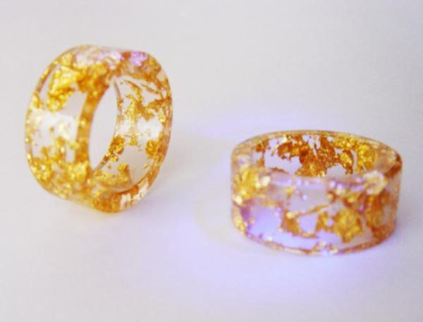 resina, laminilla de oro