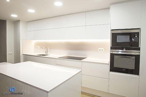 La #cocina se rehabilitó por completo, tanto en diseño como en equipamiento. #kitchen #bcn