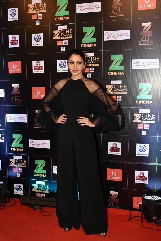Indian Actress Anushka Sharma At Zee Cine Awards 2017