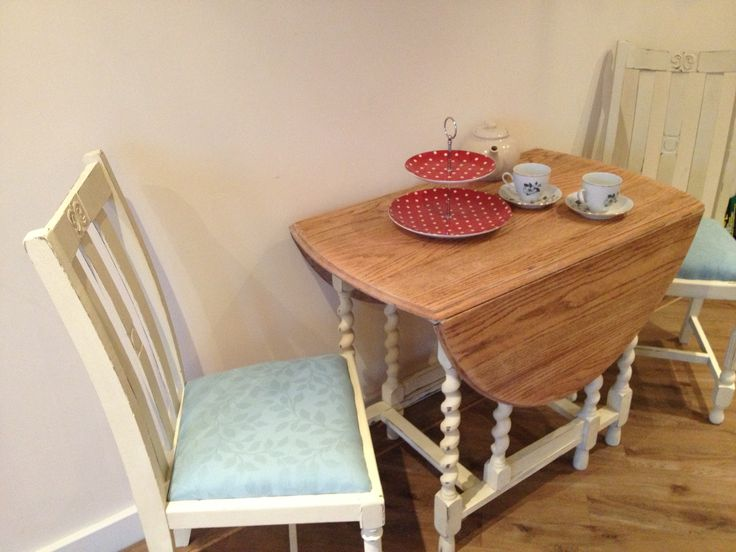 How to Upcycle an Unwanted Table into a Beautiful Shabby Chic Dining Table