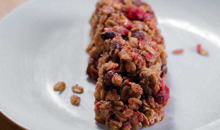 Essayez cette recette simple de barres tendres déjeuner, pour les matins pressés où vous avez seulement du gruau dans l'armoire.