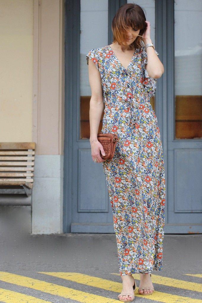 148e36960c4 Maxi robe longue imprimé liberty fleuri La Petite Française par The LELI et  sac en cuir