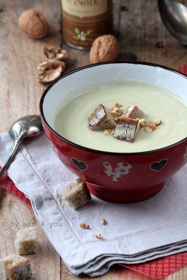 Soupe de pomme et panais au Roquefort et aux noix