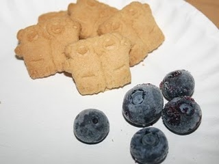 cute snack for blueberries for sal
