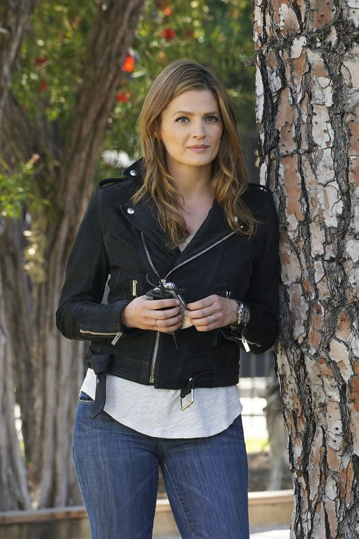 "CASTLE -  8x22 ""Crossfire"" - Beckett #castle #katebeckett #stanakatic"