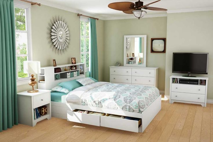 Bedroom Ideas for Small Room with floral blanket and green pillow