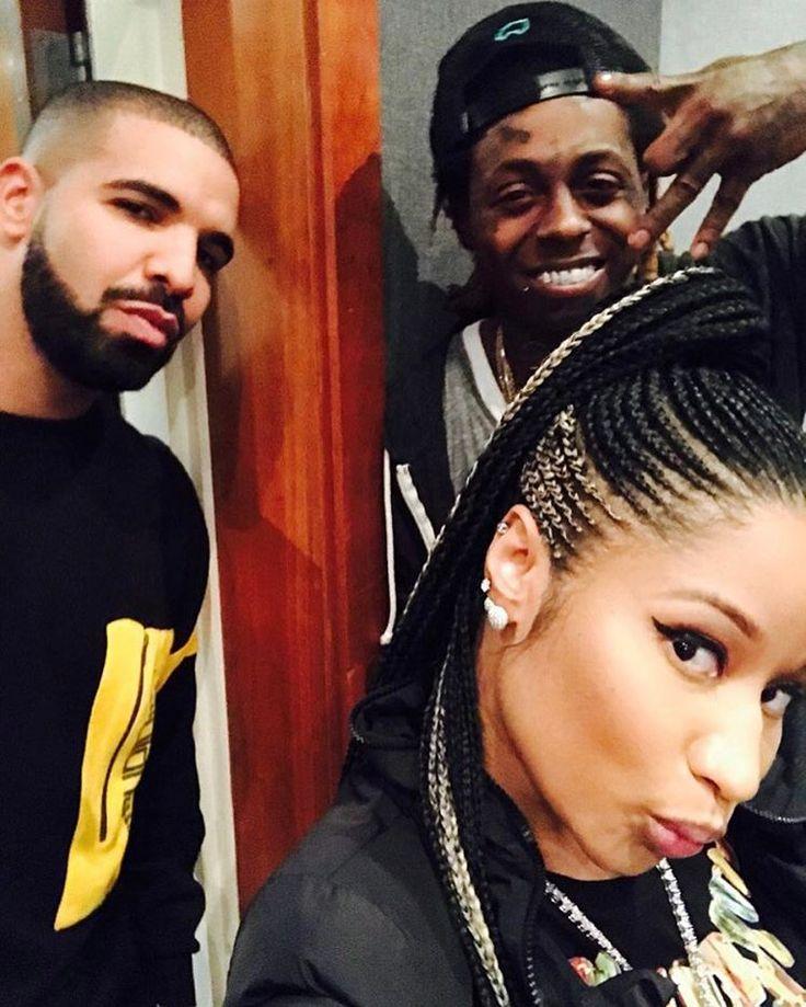 """492.7k Likes, 5,922 Comments - Nicki Minaj (@nickiminaj) on Instagram: """"#3PackFromPARIS  w/love ♥️"""""""