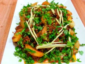 aloo keema recipe, fried minced meat and potatoes recipe, quick fried minced meat and potatoe recipe, fried minced meat and potatoes recipe, pakistani aloo keema recipe, indian aloo keema recipe