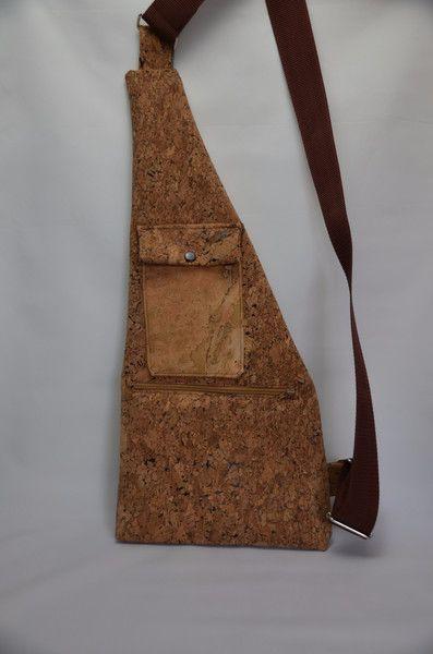 Umhängetaschen - Umhängetasche Kork - ein Designerstück von StoffAttitude bei DaWanda zu kaufen unter: http://de.dawanda.com/product/97801987-umhaengetasche-kork