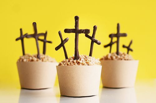 Happy Easter Cupcakes ~ Thank you Jesus for dying for our sins ~ awesome and stunning: Sunday Schools, Cakes Recipes, Easter Spr, Easter Desserts, Easter Cupcakes, Easter Treats, Cups Cakes, Easter Ideas, Crosses Cupcakes
