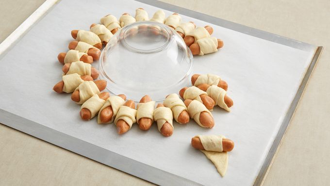 This easy mini sausage wreath comes together in minutes, then usually disappears just as quickly.