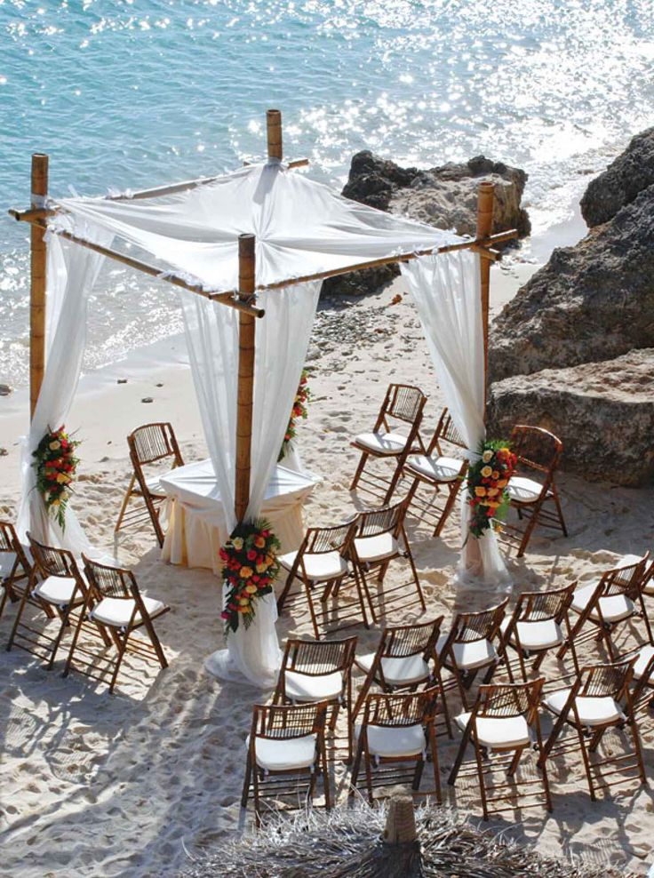 10 Wedding Venues with Private Beaches