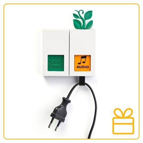 Um presente para quem é ecologicamente correto: O prendedor de fios Power Plant é perfeito para prender os fios sempre que desligar um aparelho eletrônico e economizar energia.  http://www.buscapresentes.com.br/prendedor-de-fios-power-plant.html?t=Wnsopoq&utm_source=pinterest&utm_medium=post&utm_campaign=superdrupe