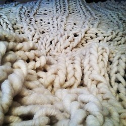 Just finished this four skein big loop merino blanket! So nice and cozy! (at Loopy Mango)