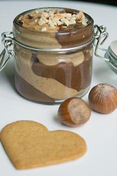 Mit dieser homemade Nutella-Spekulatius-Creme von @zuckersuesses könnt Ihr Euch Weihnachten aufs Brot schmieren. #Rezept #Weihnachten