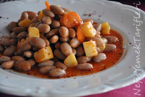Zeytinyağlı Barbunya Pilaki - Nefis Yemek Tarifleri http://www.nefisyemektarifleri.com/zeytinyagli-barbunya-pilaki/