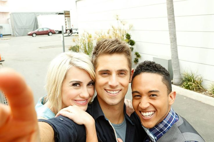 Chelsea Kane, Jean-Luc Bilodeau & Tahj Mowry {these actors are amazingly funny} love them❤️plus my WCW is