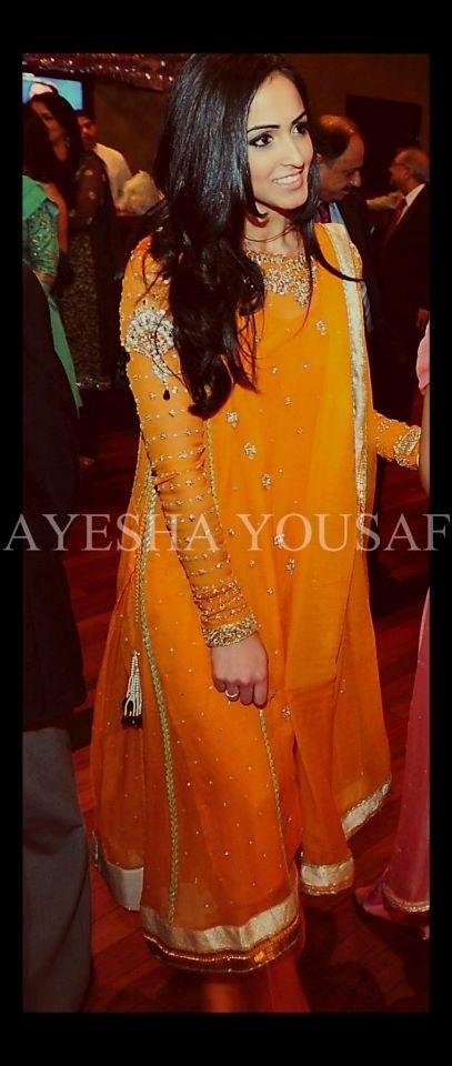Orange mehndi outfit