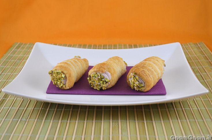 Scopri la ricetta di: Cannoli mortadella e pistacchio
