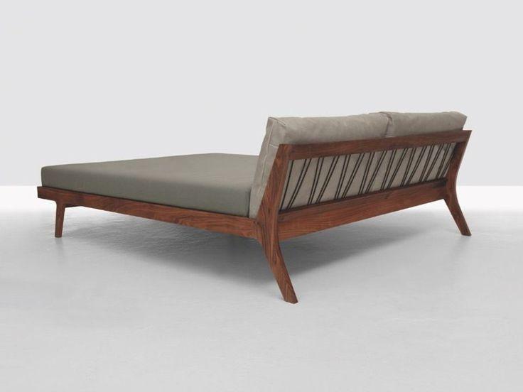 Cama de casal de madeira MELLOW by ZEITRAUM design Formstelle