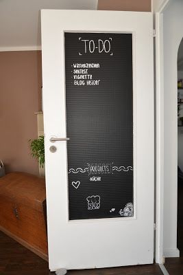 Tolle Idee um meine Tür mit Tafelfolie zu verschönern! https://bunt-ist-meine-lieblingsfarbe.blogspot.de #diy