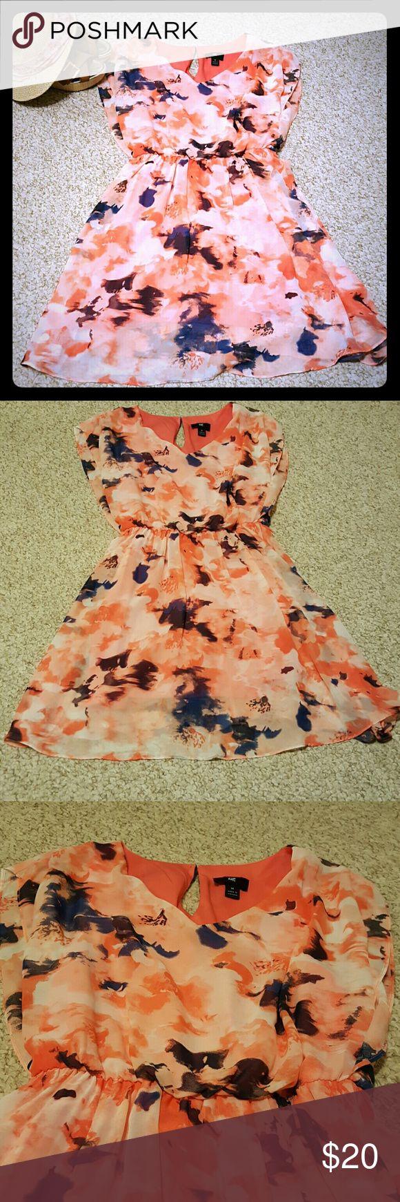🎆SALE🎆Beautiful flowy summer dress🎆 Beautiful summer dress. Flowy, butterfly sleeves. Iz Byer Dresses Mini