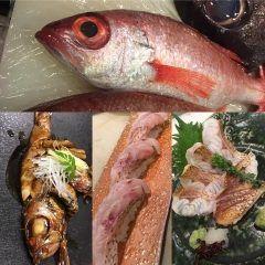 週始めから雨ですねm(_ _)m 魚があるか心配ですが  本日も素晴らしい食材仕入れます(_)v  長崎 ノドグロ 静岡 黒ムツ 極太ホワイトアスパラ バター焼き 江戸前 穴子天ぷらタケノコ天ぷら 好評のバフンウニ自家製カラスミ 名残り ブリの厚切り塩焼き やらやら  走りの食材 富山 生桜海老も始まりましたよ ぜひご賞味ください(_)v     #銀座 #京橋 #宴会 #忘年会 #新年会 #居酒屋  #歓送迎会 #マグロ #鮪 #まぐろ #刺身 #和食   築地鮪仲卸直営店 鮮菜魚 早瀬はやせ  東京都中央区京橋3-3-11 京橋サウスB1   03-6423-1863 tags[東京都]