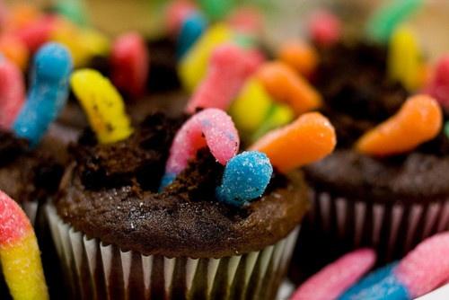 Gummy Worm Mud Cupcakes: Mud Cupcake, Cupcake Rosa-Choqu, Dirt Cupcake ...